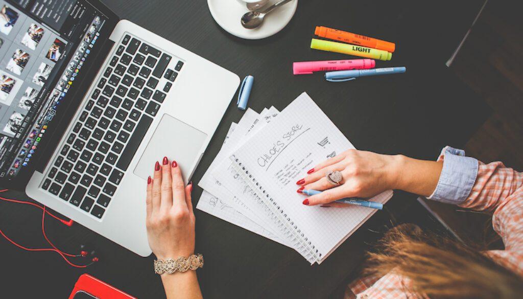 Bloggers at a keyboard