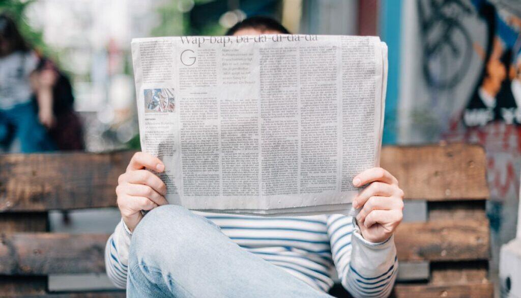 Local press influences local shoppers, Photo by Roman Kraft on Unsplash